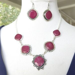 Beautiful faceted Ruby Stamped necklace set